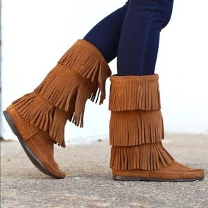Minnetonka 3 Layer Brown Suede Fringe Boots